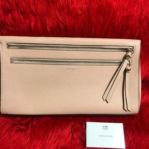 Brand New Coach Creme Pink Large Clutch